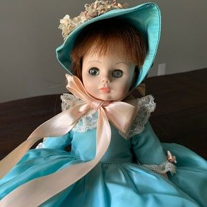 Haunted doll - Sophie